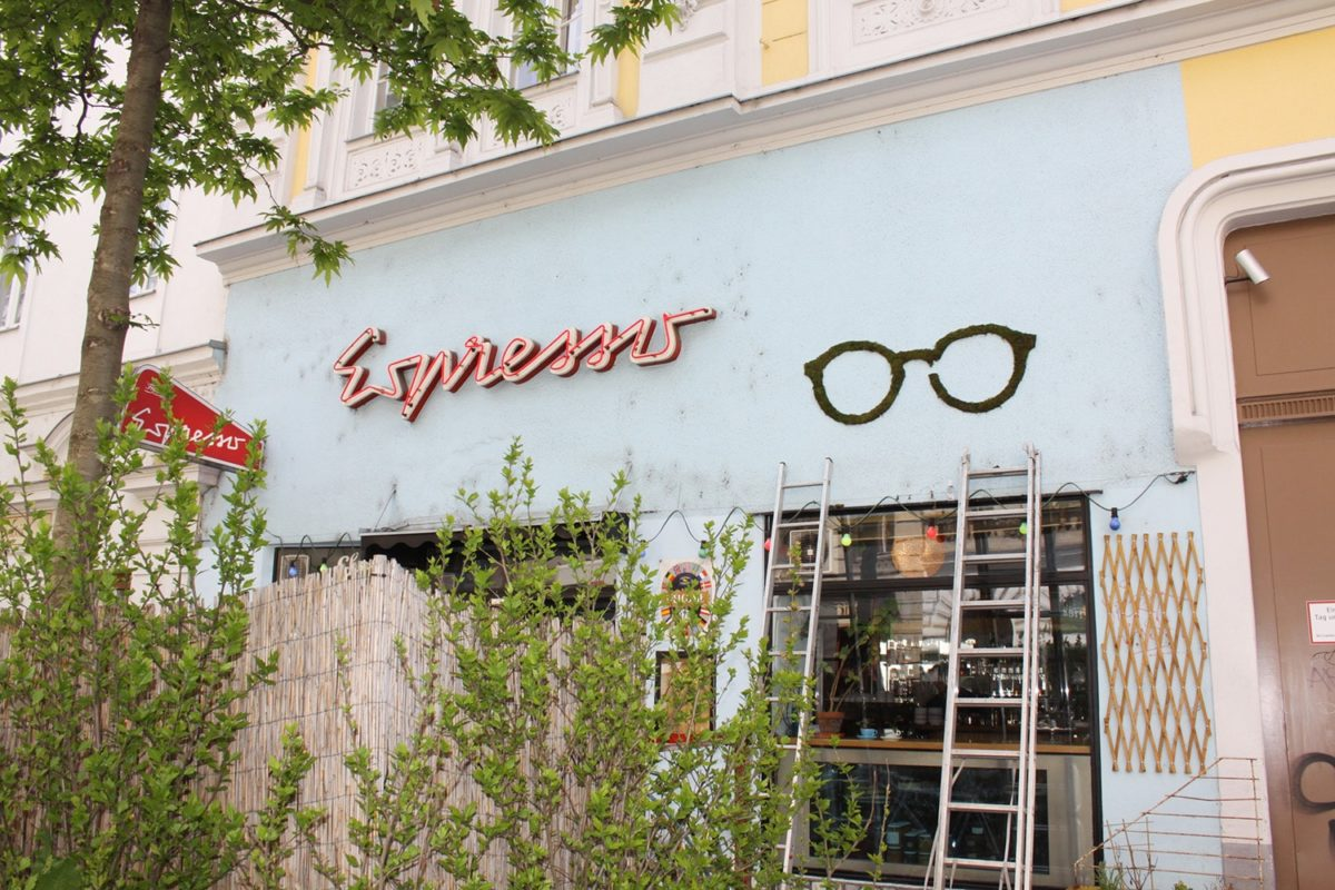 Blog 1705 Moss Graffiti Neubau Eyewear 2